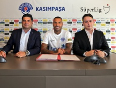 Quaresma assina com o Kasimpasa. Twitter/kasimpasa