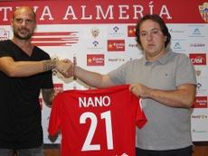 El lateral izquierdo malagueño Mariano González, Nano, en su presentación como nuevo fichaje de la UD Almería. UDAlmería