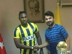 Inédit ! Un club truc signe un joueur en pensant qu'il s'agissait d'un autre. Menemenspor