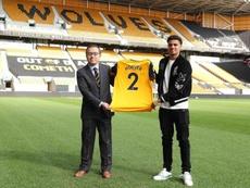 Ki-Jana Hoever jugará esta temporada en el Wolverhampton Wanderers. Wolves
