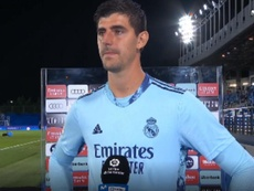 Courtois salvó al Madrid un día más. Captura/Movistar+