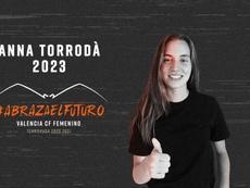 Torrodà firmó hasta el 30 de junio de 2023. Twitter/ValenciaCFFemenino