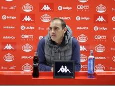 El técnico del Lugo no quiere perder la concentración. Twitter/CDeportivoLugo