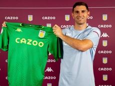 O Aston Villa garantiu um contrato de quatro anos com o goleiro argentino Emi Martínez. AVFC