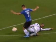Can fue expulsado antes del primer cuarto de hora. Captura/UEFATV