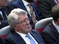 Enrique Cerezo parecía dormido. Captura/RFEF