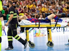 Esquerdinha sufrió una grave lesión. Twitter/FCBfutbolsala