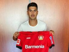 Exequiel Palacios assina contrato até 2025 com o Bayer Leverkusen. Twitter/bayer04fussball