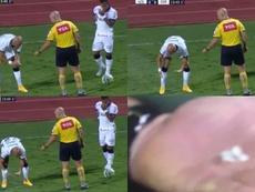 Otero perdió varios dientes... ¡y Fábio Santos se puso a recogerlos del suelo! Captura/SporTV