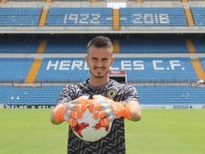 Ferri fue presentado como nuevo jugador del Hércules. CFHercules