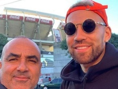 Otamendi fez uma selfie na frente do Monumental. Instagram/martinsendoa