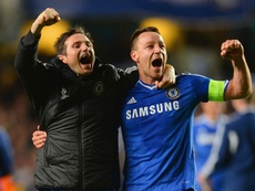 Terry puede ocupar el puesto de Lampard. AFP