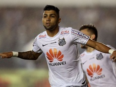 Gabigol quiere que Santos pague su pase. AFP