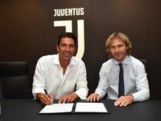 Buffon é oficialmente reforço da Juventus. JuventusFC