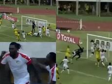 Adebayor marcó con un salto 'a lo Cristiano'. Twitter/CAF_Online