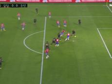 Griezmann aprovechó el pase de Soldado para poner el 0-1 entre protestas. Captura/MovistarLaLiga