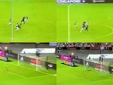 Kane beffa la Juve con una magia da centrocampo. Captura/PremierSports