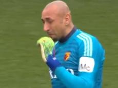 Heurelho Gomes no pudo evitar las lágrimas en su posible despedida. BBCSports
