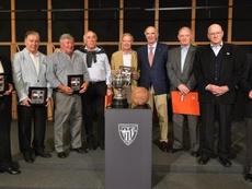 Athletic y Elche homenajearon a sus finalistas de Copa de 1969. AthleticClub