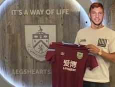 El Burnley tampoco tomará medidas contra su jugador. Twitter/BurnleyOfficial