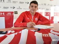 Diego García firma hasta 2023. Twitter/EdelpOficial