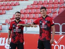 El Mirandés presentó a sus dos nuevos fichajes. Twitter/CDMirandes