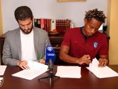 El peruano André Carrillo firma por el Al Hilal. Twitter/Alhilal_FC