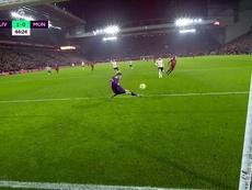 De Gea salva o United com uma defesaça. Captura/DAZN