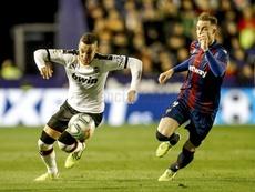 El Valencia venció tras remontar al Levante. Twitter/ValenciaCF