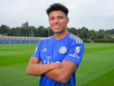 El Leicester firma a James Justin hasta 2024. LCFC