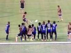 Imagen del fantástico golpeo de falta de Nakamura. Youtube