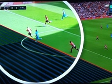 An unofficial offside line caused the confusion.  Captura/Movistar+