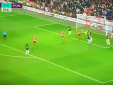 Fleck ouvre le score face à Manchester United. Capture/D9INE_ManUtd