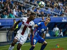 Jair (i) podría volver al Huesca este verano. LaLiga/Archivo