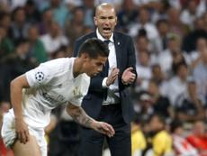 James y Zidane, más lejos que nunca. EFE