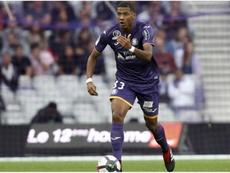 El Toulouse habría accedido a hablar con el Barça de la salida de Todibo. AFP