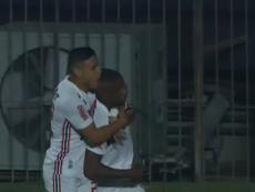 Jonas Toro celebra el segundo gol del partido. Captura/SporTVPremiere
