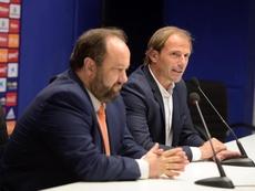 Arnau expuso sus primeros objetivos en la sala de prensa. RealOviedo