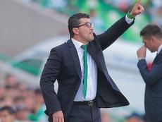 José Manuel de la Torre cargó contra el arbitraje. Twitter/SantosLaguna