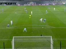Error grosero de Courtois y gol de Joselu. Captura/MovistarLaLiga