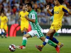 Juanmi (i) reforzó al Betis de cara a la siguiente campaña. RealBetis