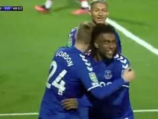 El Everton también hace fiestas sin james. Captura/SkySports