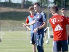Klose podría 'ascender' en el Bayern. Captura/FCBayernTV