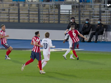 There was tension towards the end of the first half. Screenshot/MovistarLaLiga
