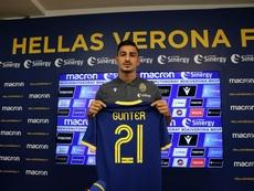 Koray Günter dans le viseur de Séville. Twitter/HellasVeronaFC