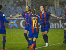 Las futbolistas del Barcelona Femenino celebran el gol de Andressa Alves, que certificaba la remontada ante el Minsk en la Champions Femenina. FCBarcelona