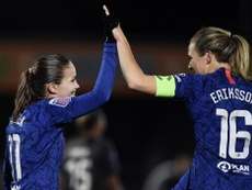 Chelsea's wome'sn team become first club to tailor training to menstrual cycles. Twitter/MagdalenaEr