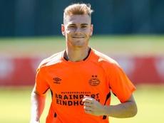 Lato triunfa en su llegada al PSV. Twitter/PSV