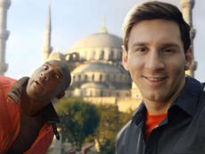 Messi se acordó de Kobe. Turkish