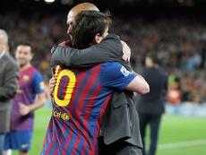 Argentino y catalán se abrazan en su anterior etapa juntos en el Barça. FCBarcelona